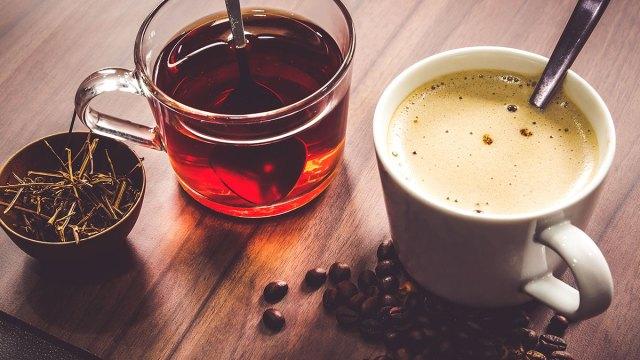 Coffee+vs+Tea